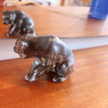 Karhu -figuuri, Johgus Keramik Bornholm