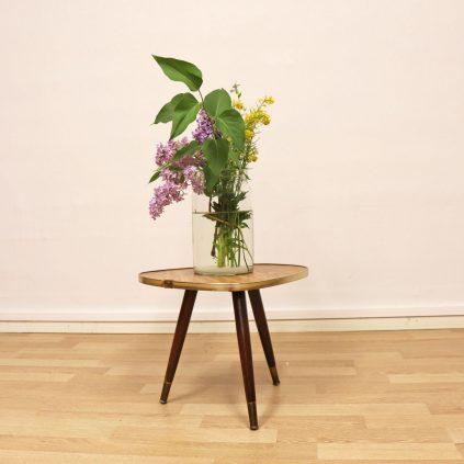 60 -luvun saksalainen kukkapöytä