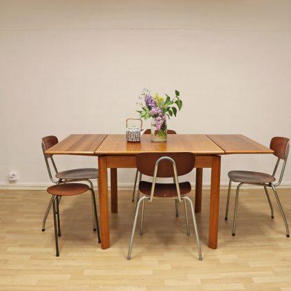 Jatkettava tanskalainen teak ruokapöytä