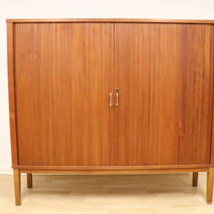 Tanskalainen teak arkistokaappi 50 -luvulta
