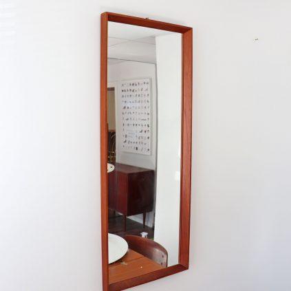 Teak peili 1960 -luvulta