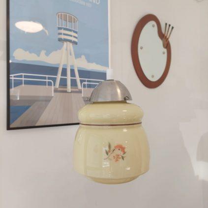 tanskalainen sovekammer lampe kukkakuvioilla
