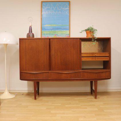 60 luvun tanskalainen tiikkisenkki EW Bach Sejling Skabe