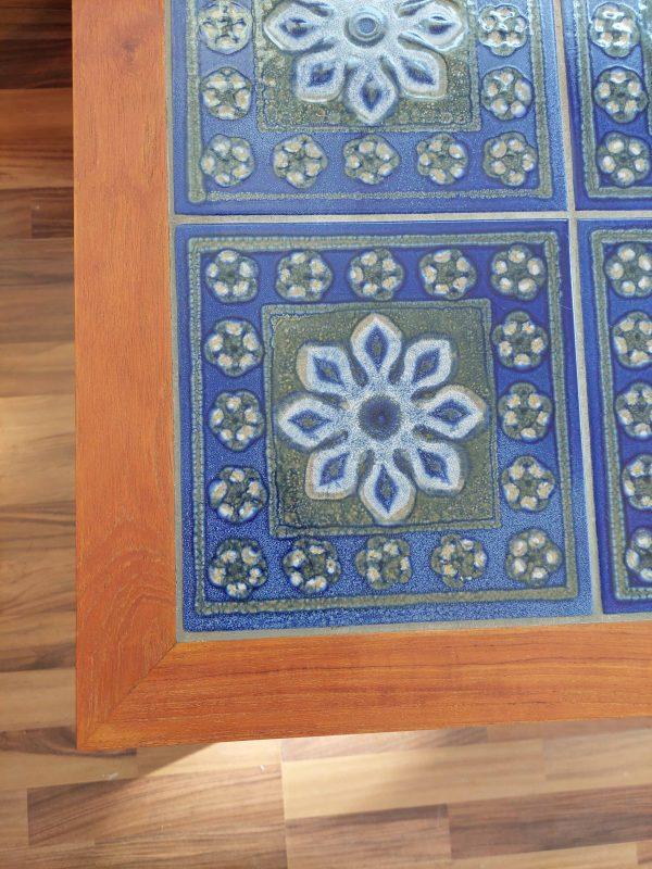 tanskalainen tiikki mosaiikkipöytä 60-luvulta